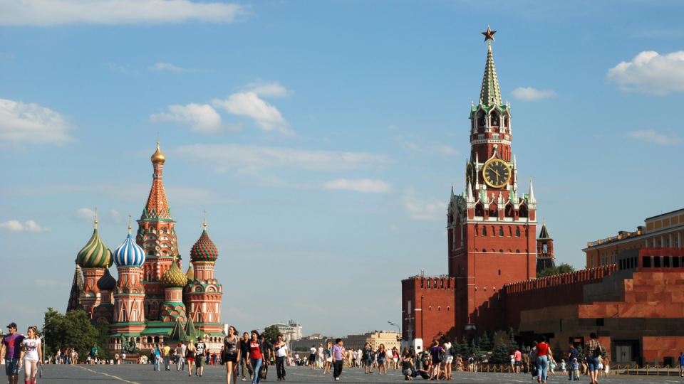 Red-Square-St.-Basil-Cathedral_saviour-Tower-Moscow-Russia