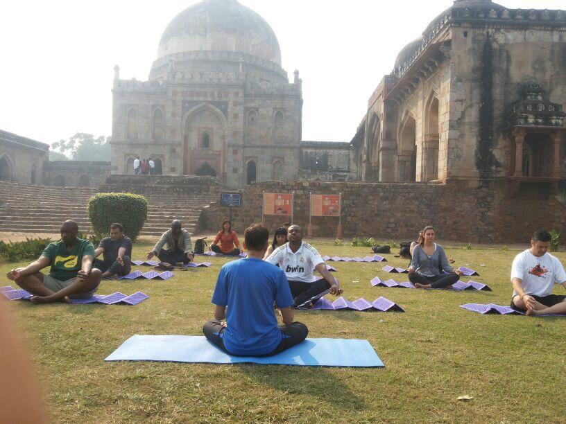 gyg-delhi-yoga-lodi-gardens-india